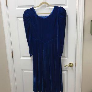 Dresses & Skirts - Vintage  Velvet blue Cinderella dress